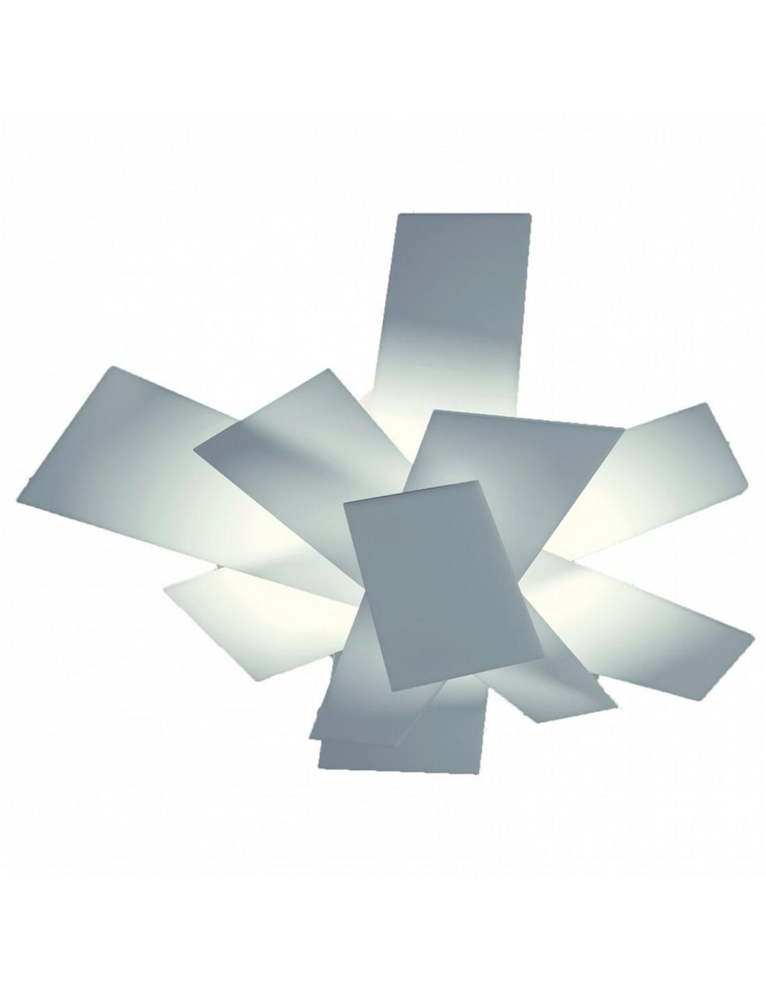 Valente Design nous propose le plafonnier Big bang blanc de la marque Foscarini