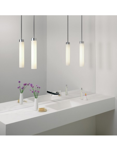 Salle de bain avec suspension Kyoto LED pendant chrome poli Astro lighting - Valente Design