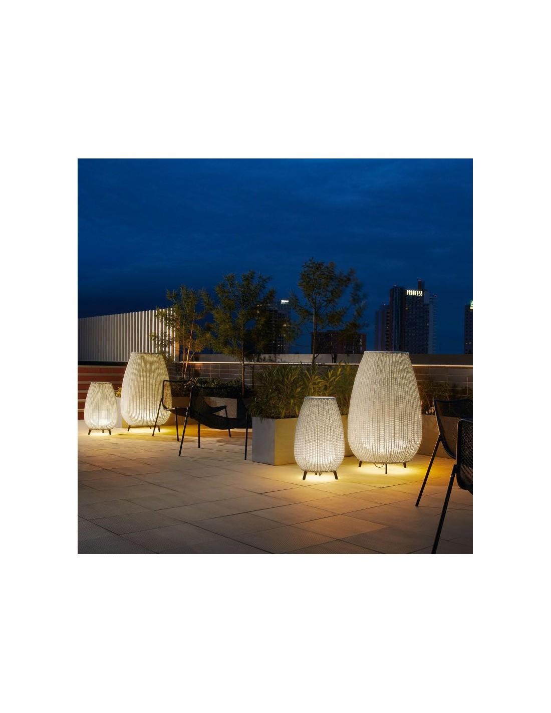 Mise En Scene Exterieure Lampe A Poser Amphora 01 Beige De Chez BOVER