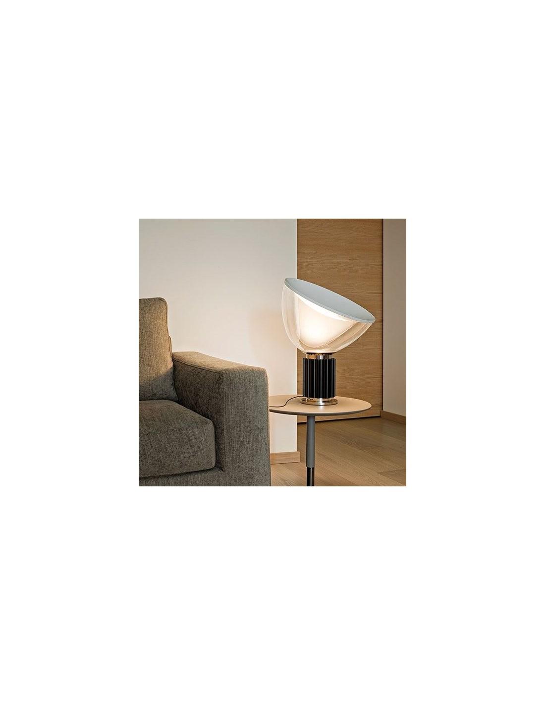 lampe de table taccia small mise en sc ne sallon. Black Bedroom Furniture Sets. Home Design Ideas