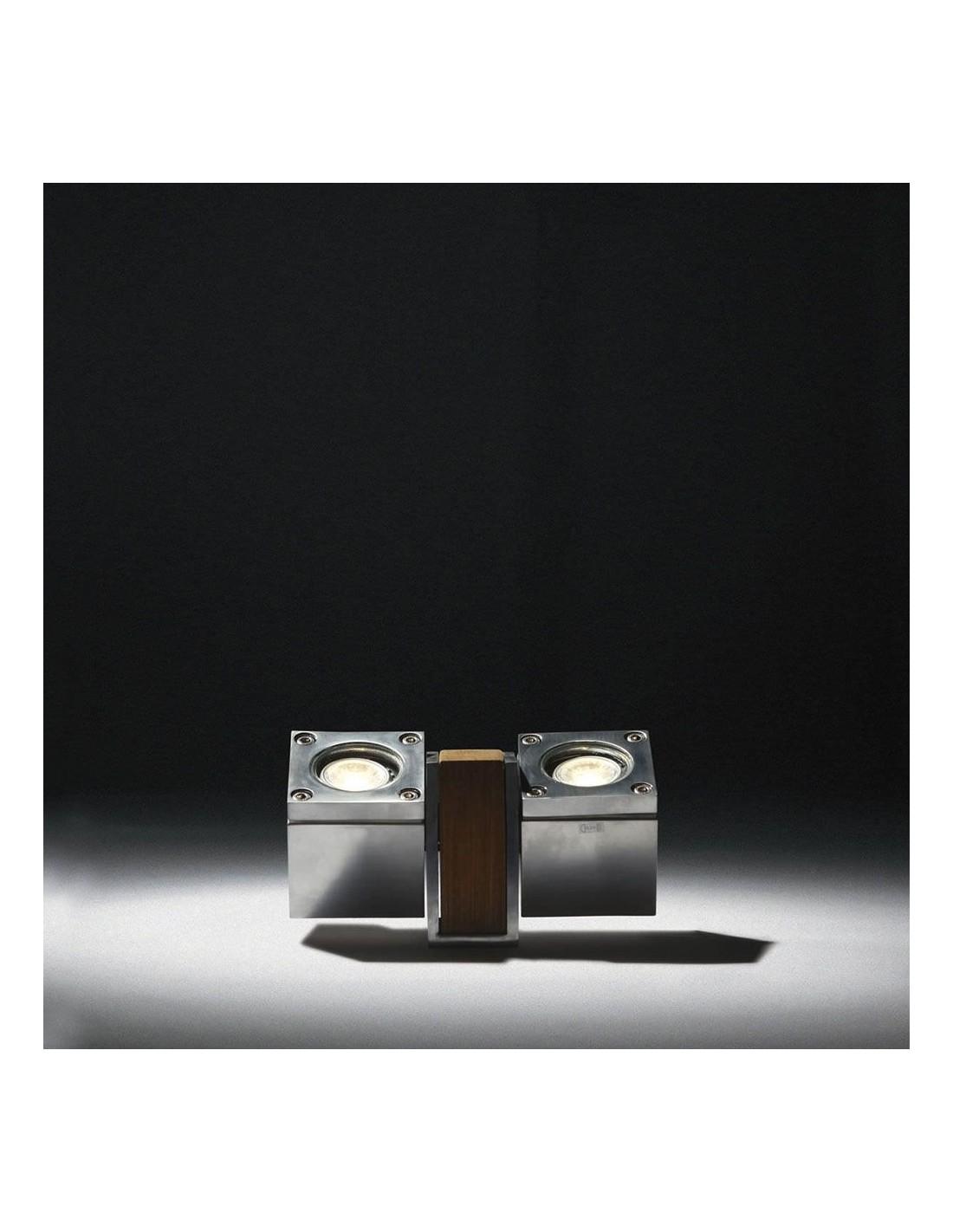 Retrouvez chez Valente Design ce luminaire de la marque Royal Botania, la borne Q-BIC 2 spots 10 cm en inox