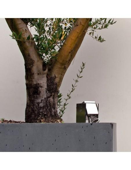 Éclairage extérieur avec l'applique orientable Q-BIC de la marque Royal Botania en vente chez Valente design