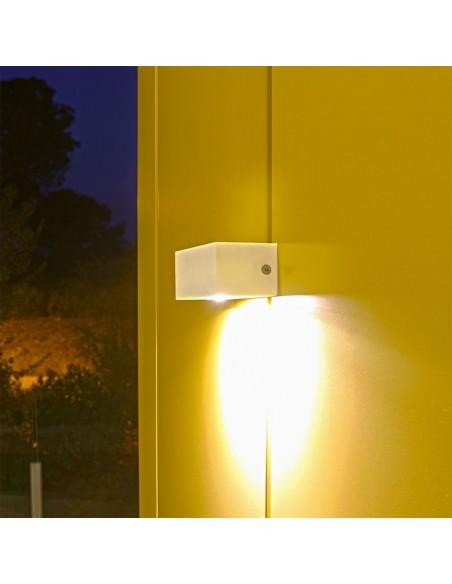 Applique extérieure TWIN avec éclairage en haut ou en bas éclairé de la marque Royal Botania