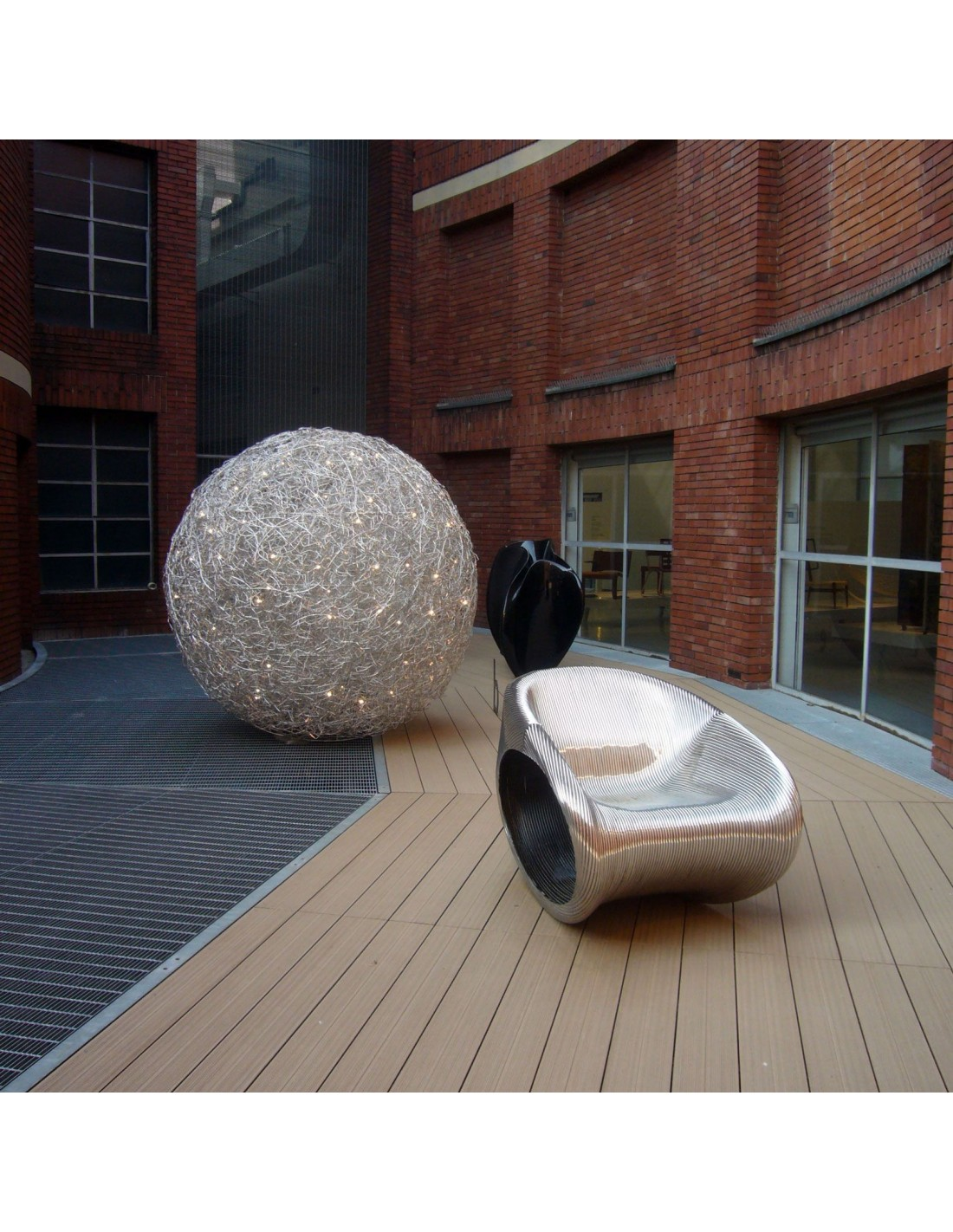 lampe ext rieur fil de fer catellani smith 100cm sur une terrasse. Black Bedroom Furniture Sets. Home Design Ideas