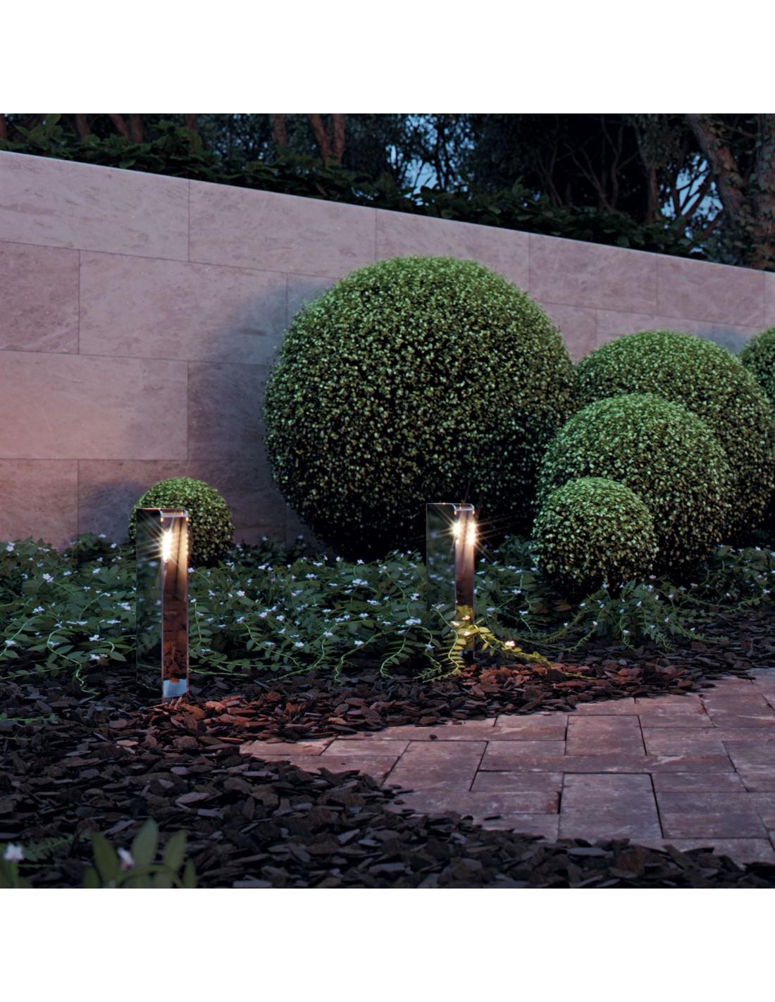 Borne Orientable de jardin de la marque Royal Botania Valente design