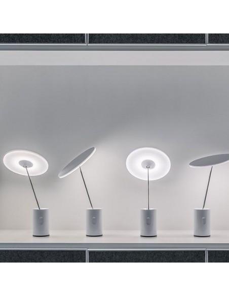 Artemide lampe bureau articulée mise en scène éclairage