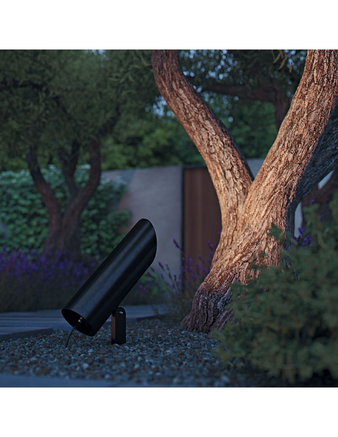 Borne de jardin noire de la marque Royal Botania.