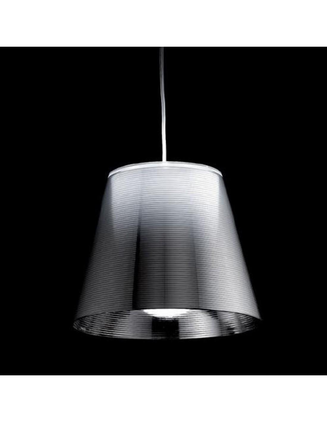Zoom sur la suspension Ktribe S3 argent métallisé par Philippe Starck pour Flos - Valente Design
