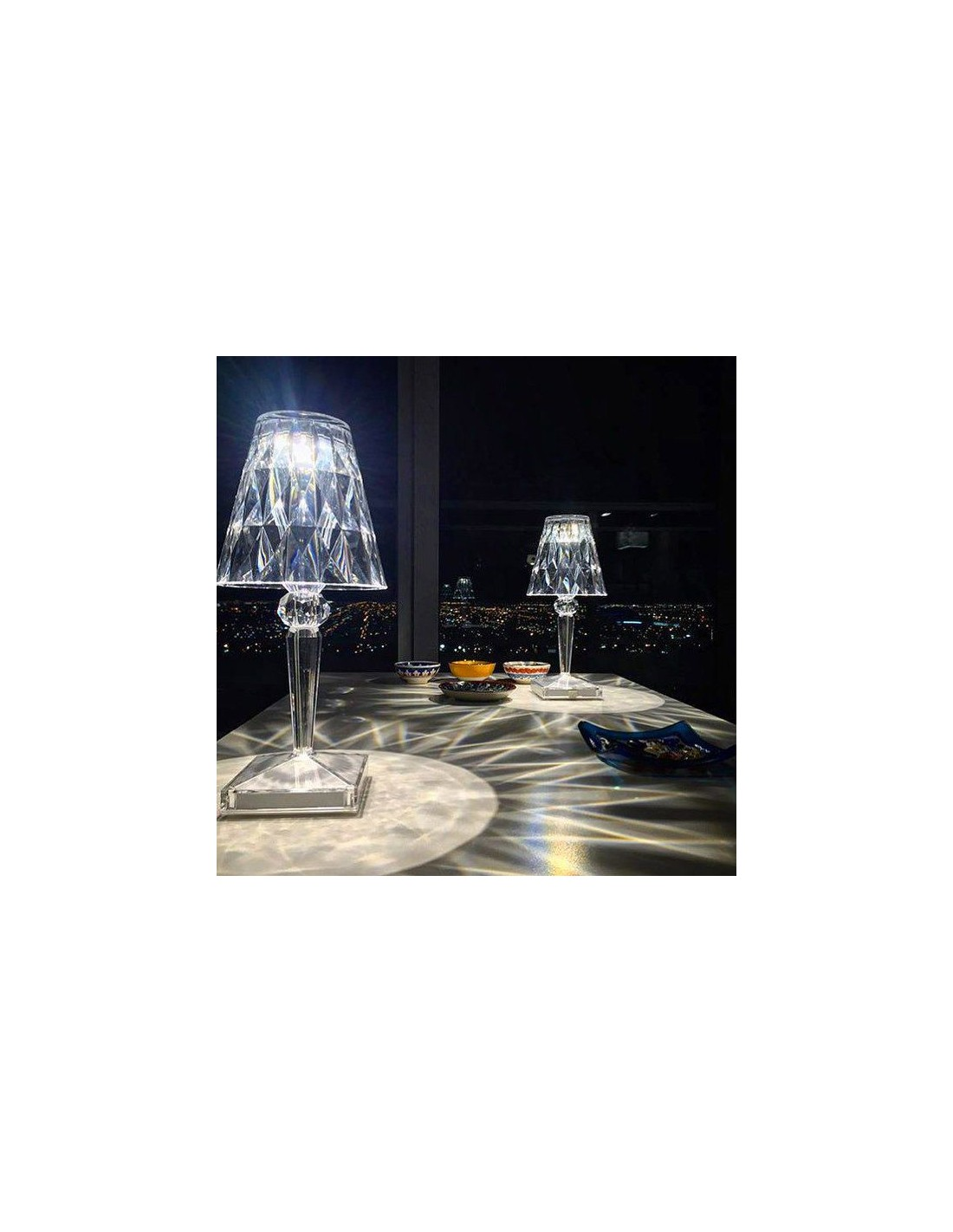 Lampe de table kartell battery cristal mise en sc ne pour for Lampe de table rona