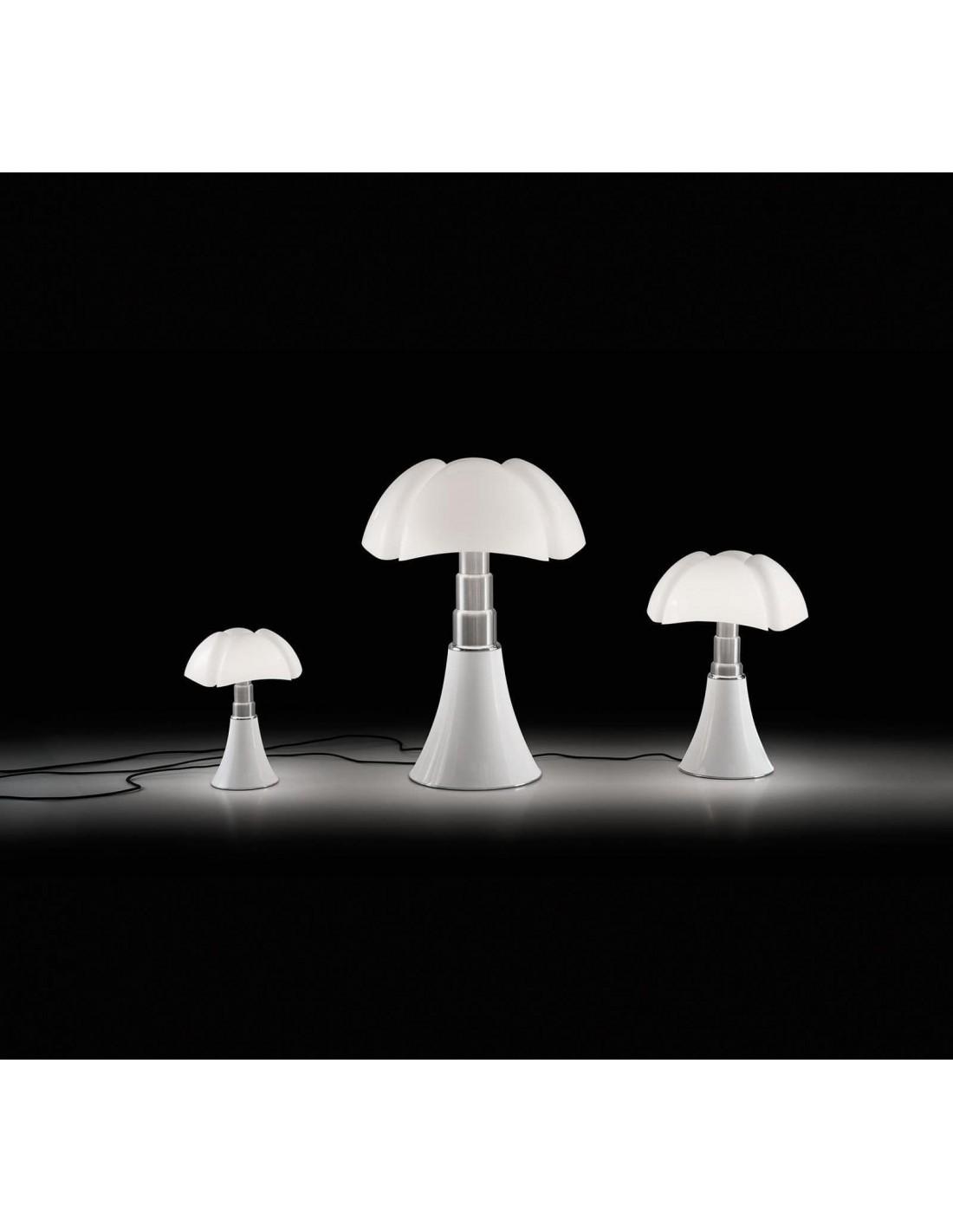 lampe de table pipistrello blanche les diff rentes tailles. Black Bedroom Furniture Sets. Home Design Ideas