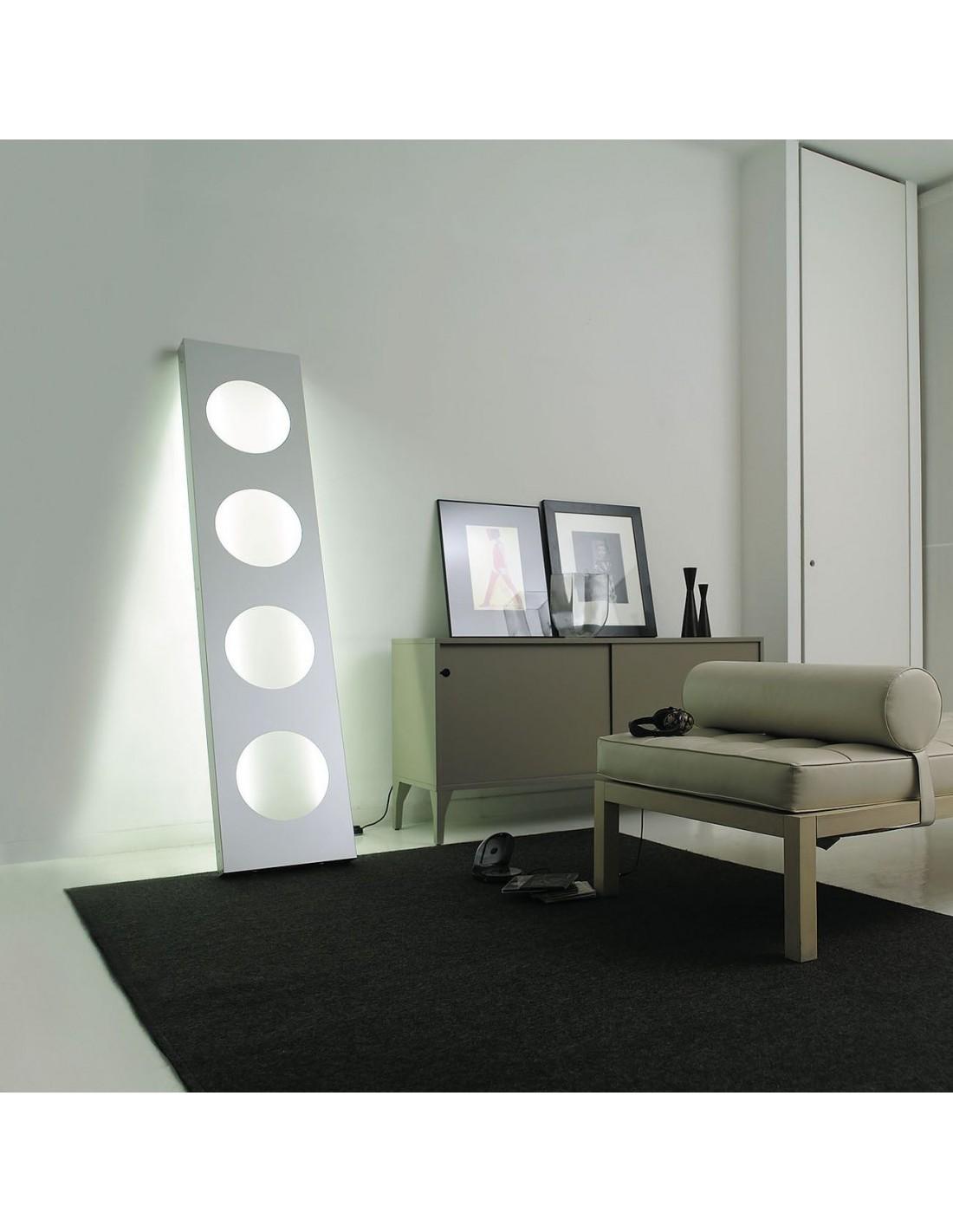 Lampadaire Dolmen aluminium mise en scène