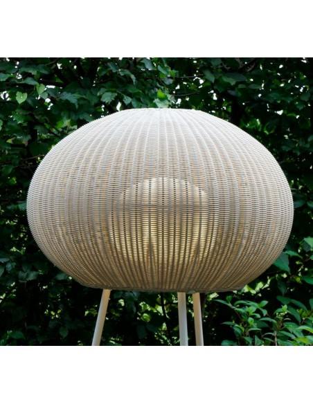 Zoom sur l'applique du lampadaire blanc Garota P 01 BOVER chez Valente Design