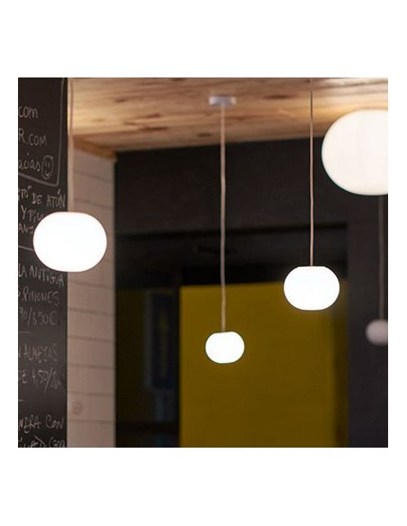 Suspension Mini Glo-Ball S mise en scène Flos - Valente Design