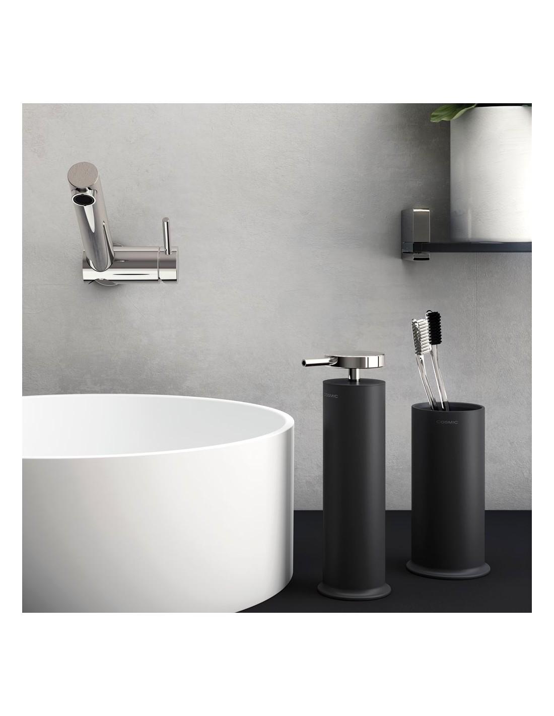mise en scène distributeur noir de savon liquide GEYSER de COSMIC