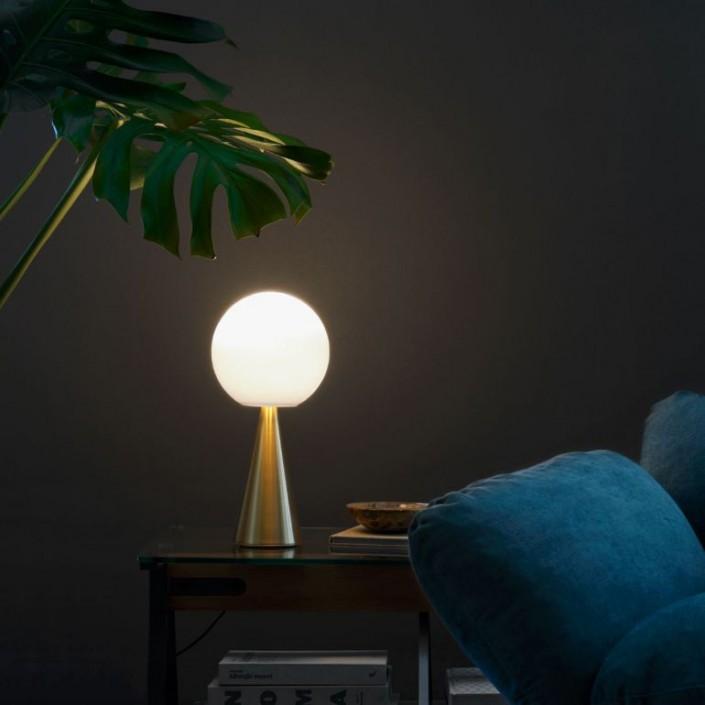 Mise en scène lampe de table  version laiton Bilia LED de fontana arte  - Valente Design