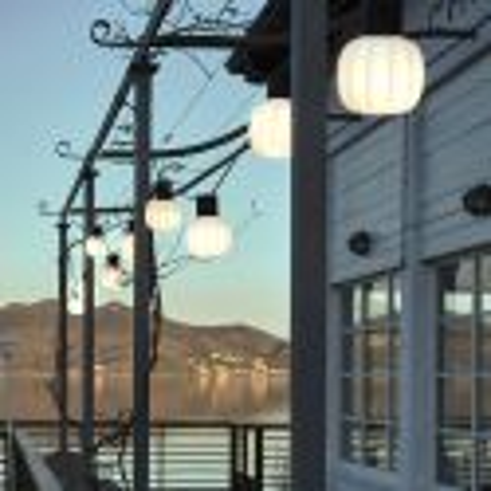 Lampe Kiki mise en scène extérieure