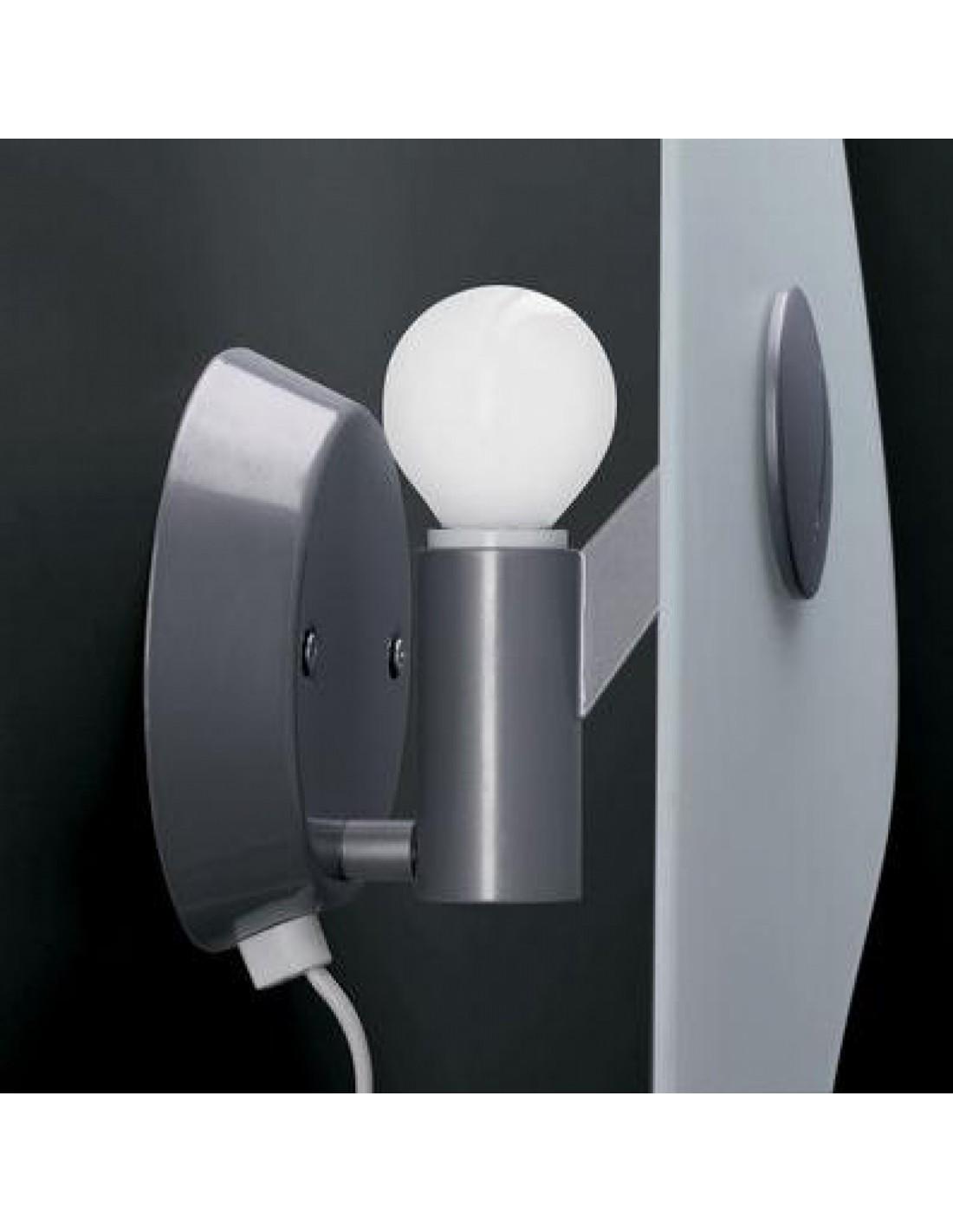 Ampoule de l'applique murale bit 2 de Ferruccio Laviani pour la marque Foscarini chez Valente Design