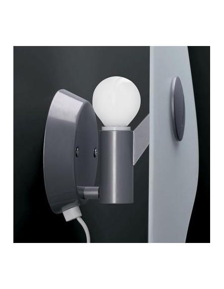 Ampoule de l'applique murale bit 4 de Ferruccio Laviani pour la marque Foscarini chez Valente Design