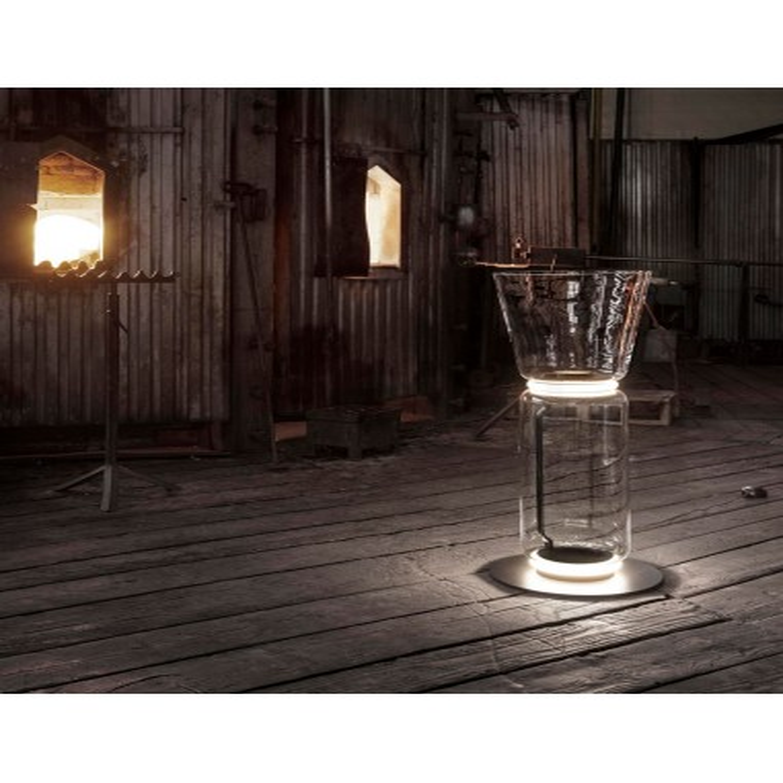 Lampe de sol Noctambule Floor 1de Flos Valente Design mise en scène