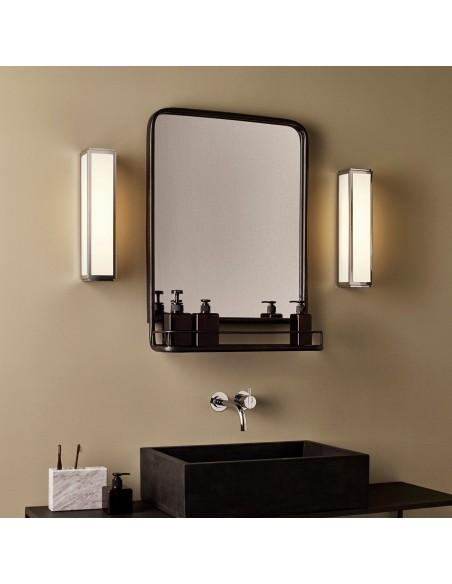 Salle de bain avec applique Mashiko 360 LED nickel mat Astro Lighting - Valente Design