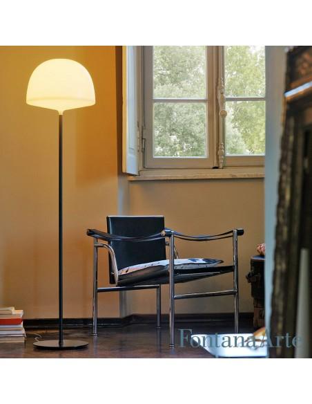 Lampadaire Cheshire blanc fontana Arte Valente Design GamFratesi Studio dans salon