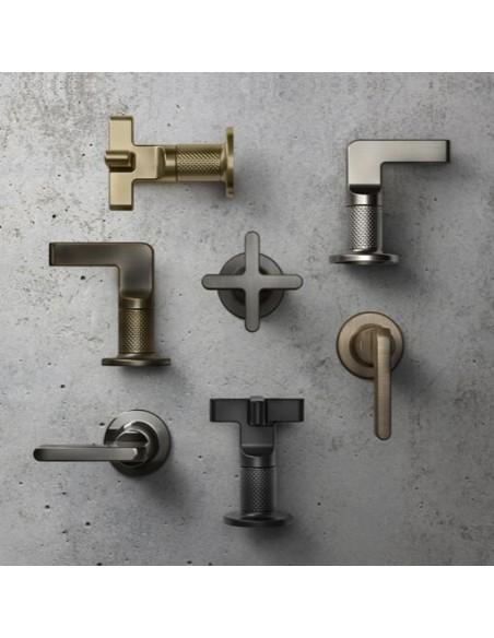 Découvrez la marque Gessi avec douchette, robinet, mitigeur de la collection Inciso en vente chez Valente Design