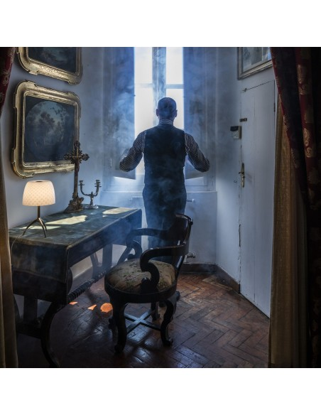 Lampe de table Lumière 30th Foscarini Valente Design dans salon