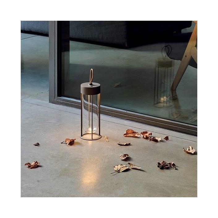 Lampe à poser In Vitro Unplugged noir Flos Starck Valente Design mise en scène