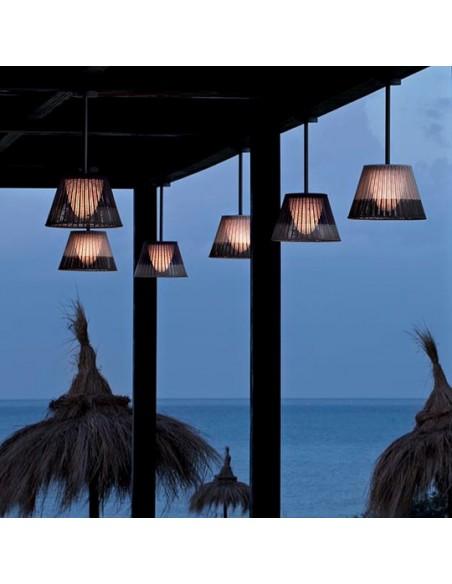 Éclairage extérieur avec suspension Romeo C1 Outdoor de Philippe Starck pour flos chez Valente Design
