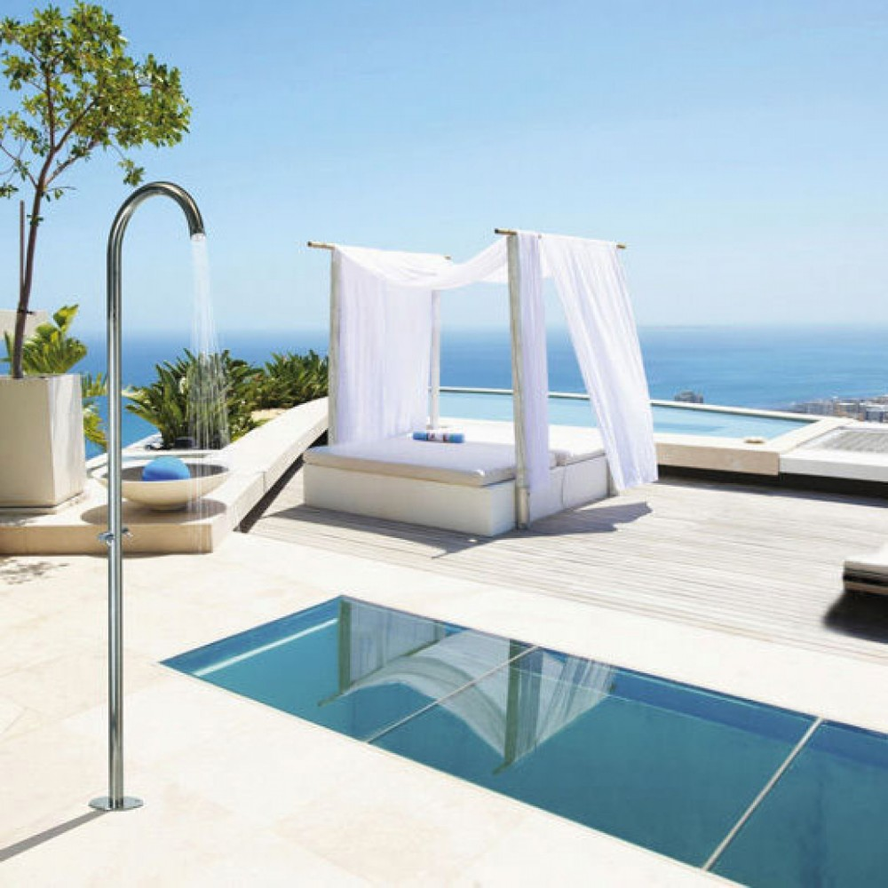 Douche ext rieure pool floor for Piscine de douche bebe