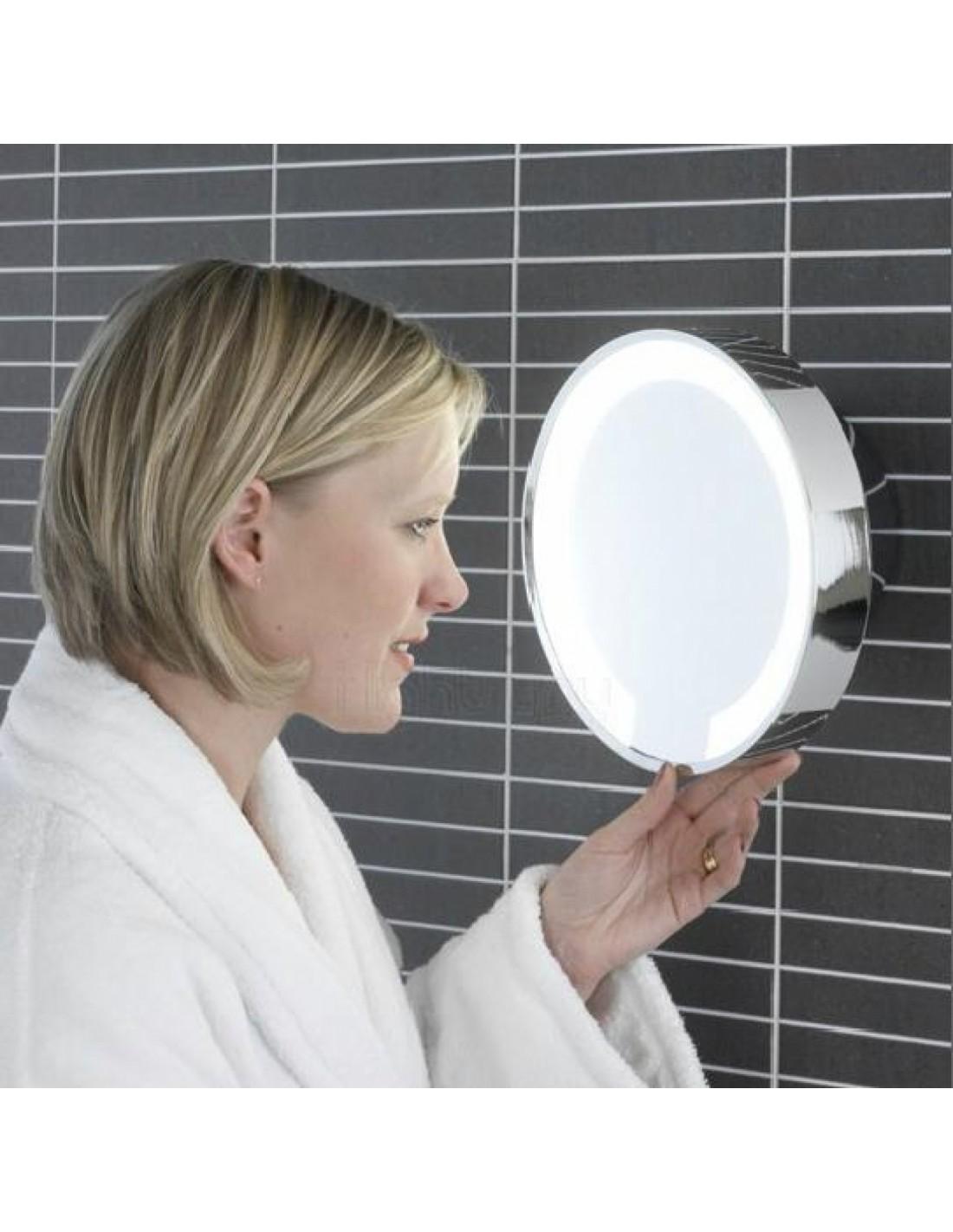 Mise en scène miroir catena LED chrome  grossissant lumineux astro lighting Valente Design