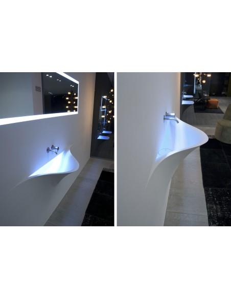 Lave-mains contemporain silenzio LED dans chambre par la marque Antonio Lupi - Valente Design