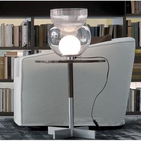 Lampe de table Giova Petit Modèle FontanaArte ambiance bibliothèque