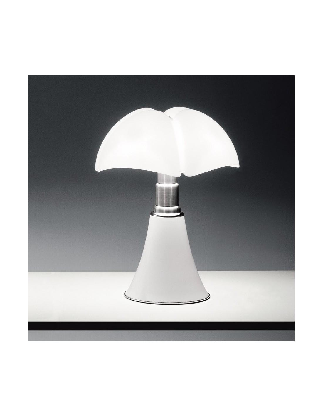 lampe de table pipistrello blanche mise en situation. Black Bedroom Furniture Sets. Home Design Ideas