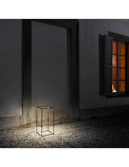 Lampe Ipnos Outdoor mise en scène éclairée de flos
