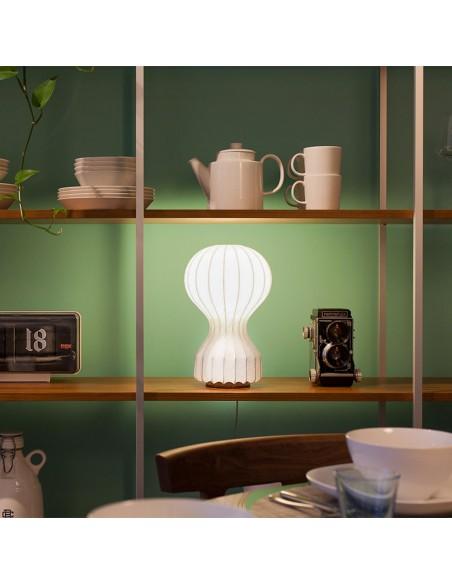 lampe de table gatto flos mise en scène de flos