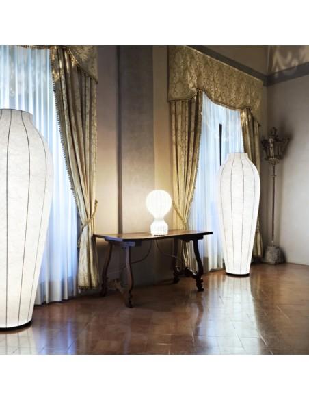 lampe de table flos mise en scène de flos