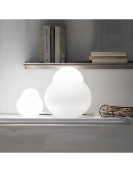 lampe a poser daruma 40cm mise en scène Fontana Arte
