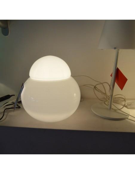 lampe de table daruma 40 cm ambiance show room Fontana Arte